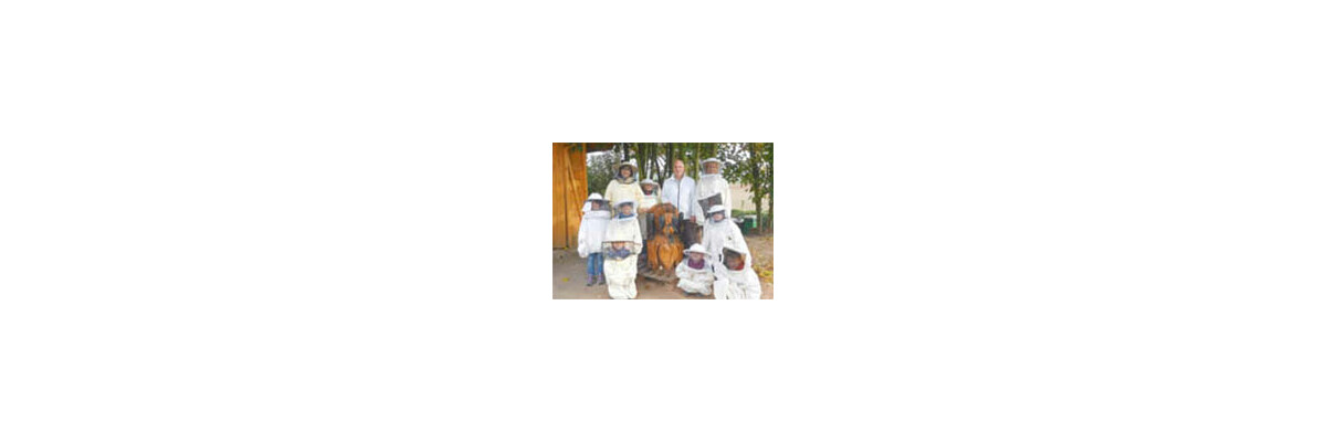 Kindertagesstätte St. Maria besuchten den Imker Thomas Hans - Vorschulkinder besuchten Imker Thomas Hans